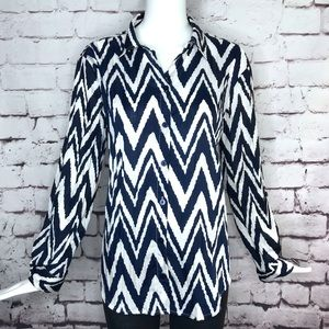 CHICO'S SIZE 1 Med/8 Chevron crinkle coverup shirt